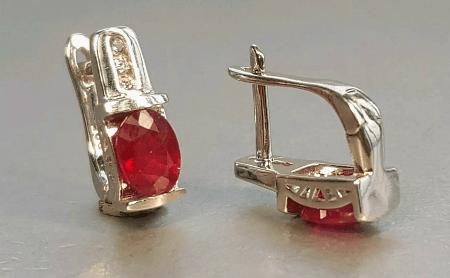 Украшения с рубином в серебре. Серебряные серьги с рубином, английская застежка