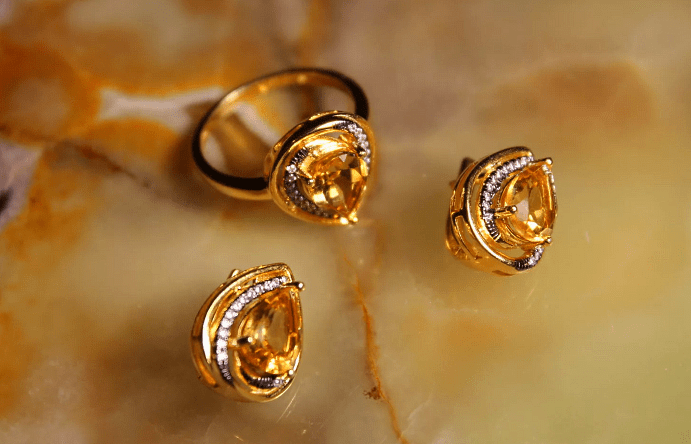 Украшения в золоте с камнем цитрин: изысканные ювелирные шедевры на любой вкус