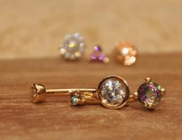 Золотые украшения для пирсинга – виды и их предназначение