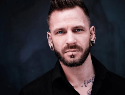 Украшения для мужчин в уши: обзор видов украшений