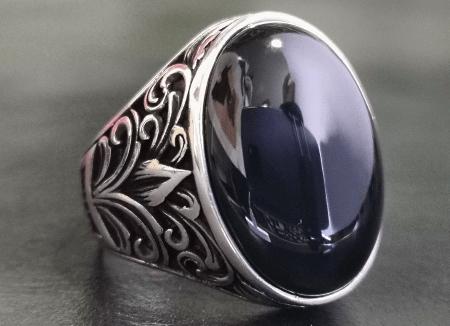 Серебро и драгоценные камни. Серебряные кольца и перстни с натуральными камнями