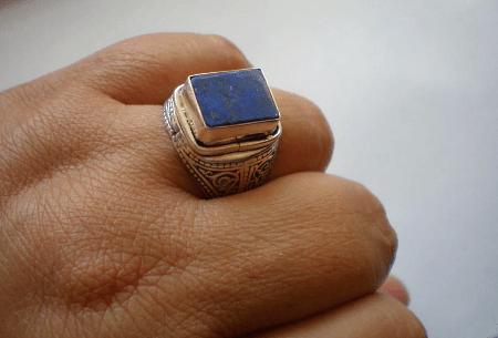 Серебро и драгоценные камни. Серебряный перстень с лазуритом