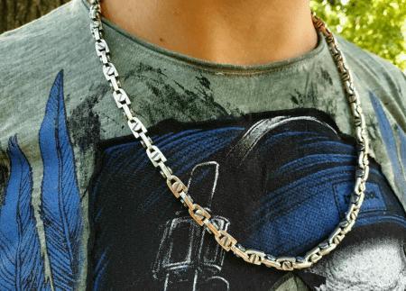 Виды ювелирного серебра для джентльменов. Серебряная цепь на шею