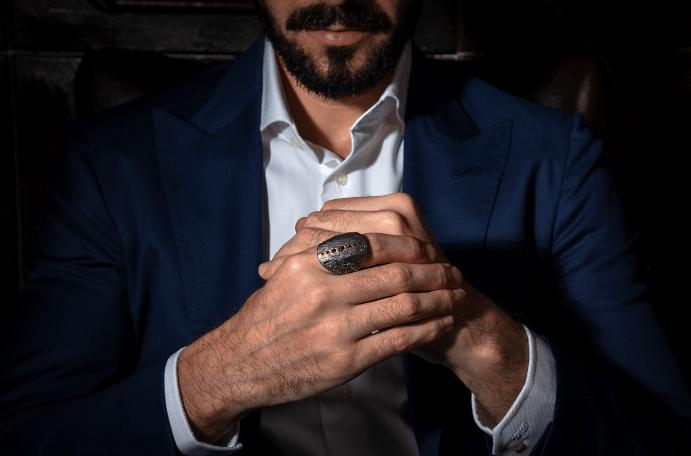 Мужские украшения с рубином: преимущества и недостатки