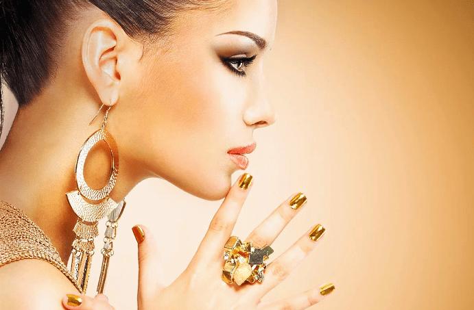 На что обратить внимание при покупке украшений из желтого золота?