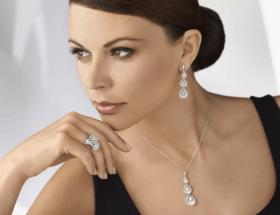Правило трех украшений: как сочетать ювелирные изделия