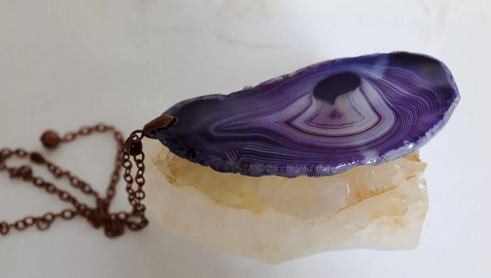 Украшения из агата. Агат фиолетового оттенка