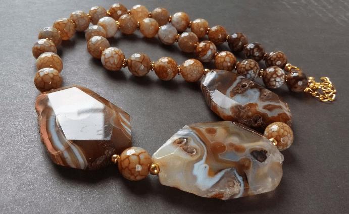 Украшения из агата. Бусы ожерелье с агатом коричневых оттенков