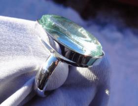 Украшения из серебра с аквамарином: всё самое интересное и важное об удивительном камне