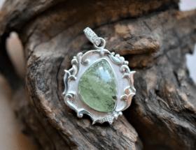 Украшения с бериллом из серебра
