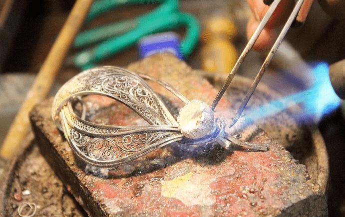 Серебряные украшения: секреты производства