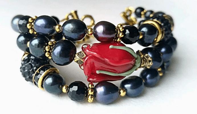 Черный жемчуг: виды украшений. Браслет с розой