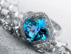Топаз – голубой камень в ювелирных украшениях