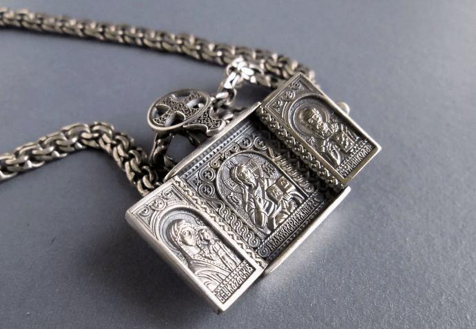 Стильные церковные украшения из серебра
