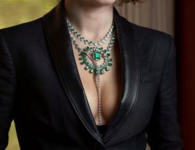Серебряные украшения с изумрудом: модные тенденции
