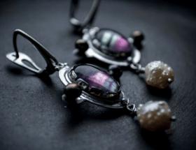 Серебряные украшения с натуральными камнями: красота и изысканность в простом
