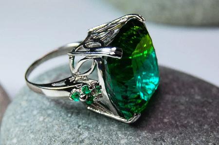 Украшения с турмалином. Зеленый верделит. Перстень