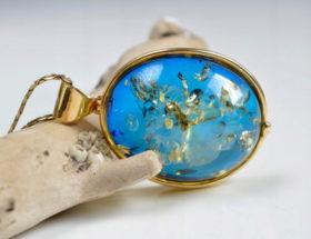 Украшения из голубого янтаря: выбор, уход, преимущества