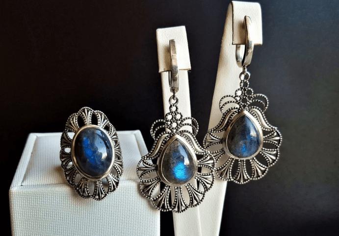 Украшения с лабрадором в серебре. Комплект винтаж серьги и перстень