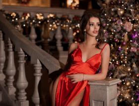 Как выбрать серьги в подарок к Новому году