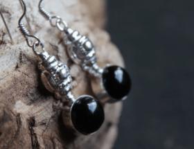 Уникальные украшения с черным ониксом и их особенности