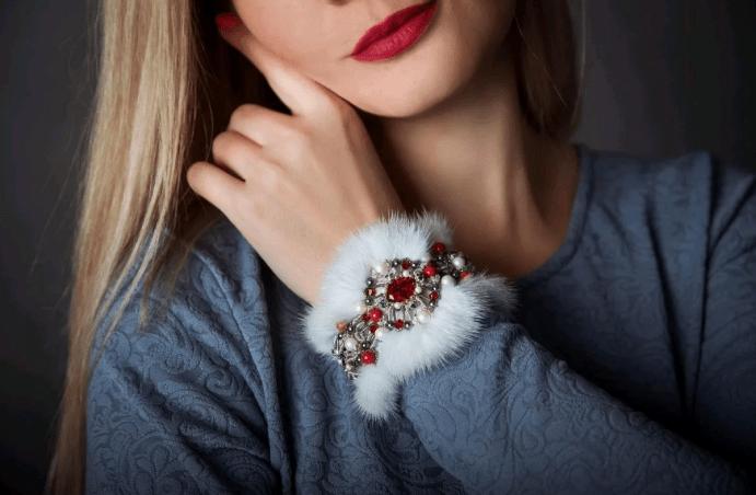 Зимний женский браслет