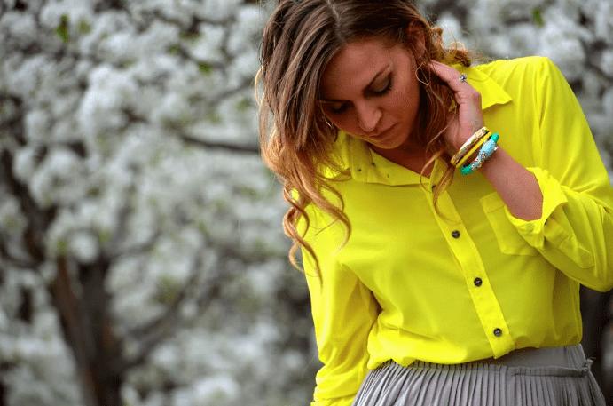 Цвет 2021 года по версии Pantone: какие ювелирные украшения будут в тренде