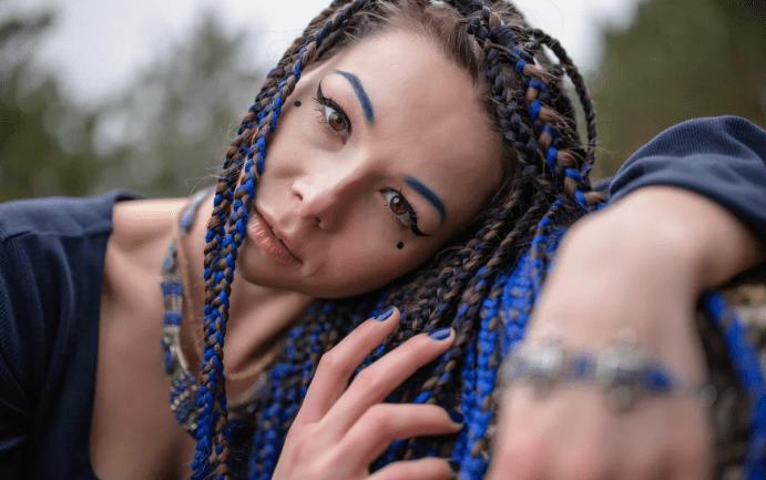 Украшения для афрокосичек.  Синие веревочки