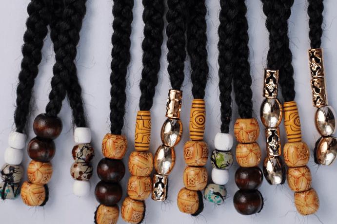 Украшения для афрокосичек из разных материалов