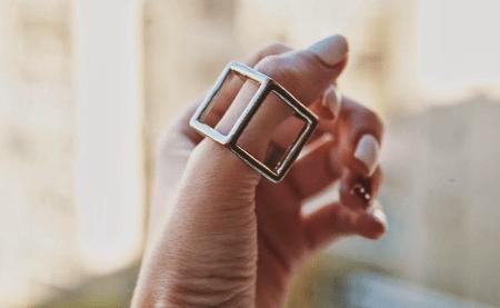 Кольцо на большом пальце: интересные факты. Кольцо куб