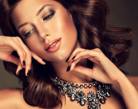 большой популярностью пользуются элитные ювелирные украшения