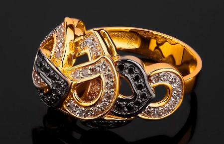 Элитные ювелирные украшения. Золотое кольцо маска с бриллиантами
