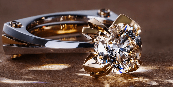 Украшения с драгоценными камнями: модные решения. Необычное кольцо с бриллиантом