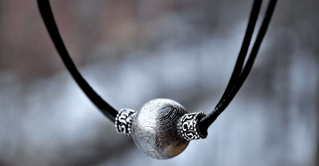 Украшения из метеорита: уникальные украшения. Амулет на шею