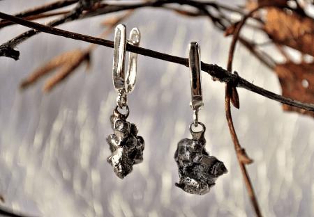 Украшения из метеорита: уникальные украшения. Серьги на ветке