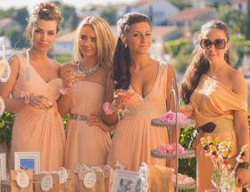 Украшения к платью персикового цвета: лучшие решения