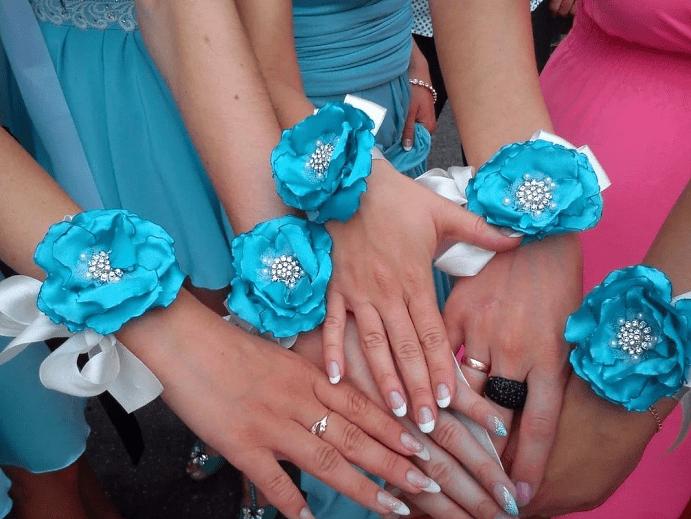 Выбираем украшение на руку для подружек невесты. Голубые оттенки, бирюза