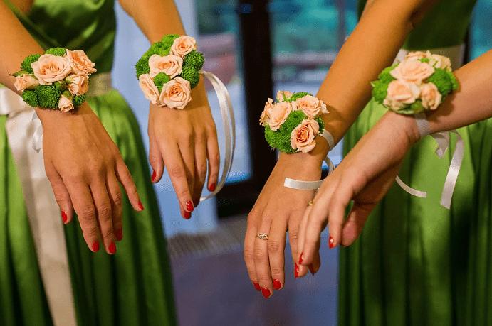 Выбираем украшение на руку для подружек невесты. Желтый и зеленый оттенки