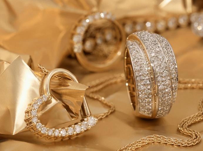 Что нужно учитывать, выбирая золотое украшение