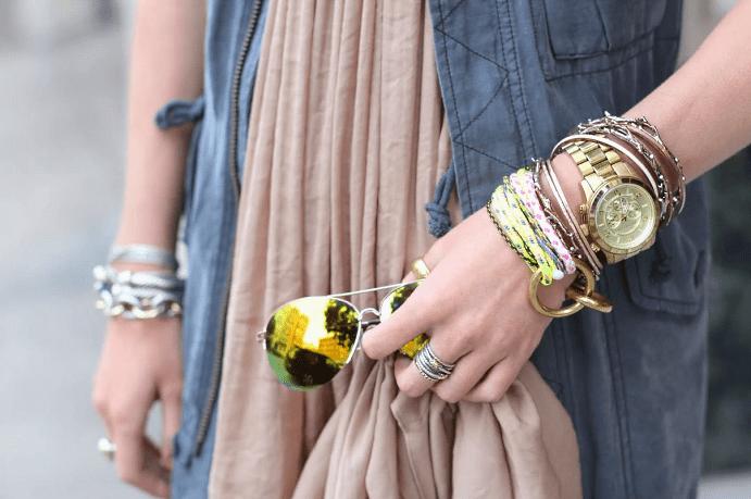 Украшение на руку: модные решения при создании и выборе браслетов