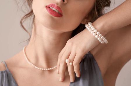 Ювелирные украшения лето 2021. Жемчужные колье, браслет, кольцо