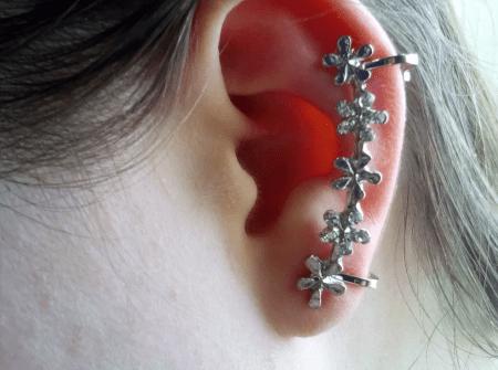 Украшения для ушей без проколов. Каффы цветочки