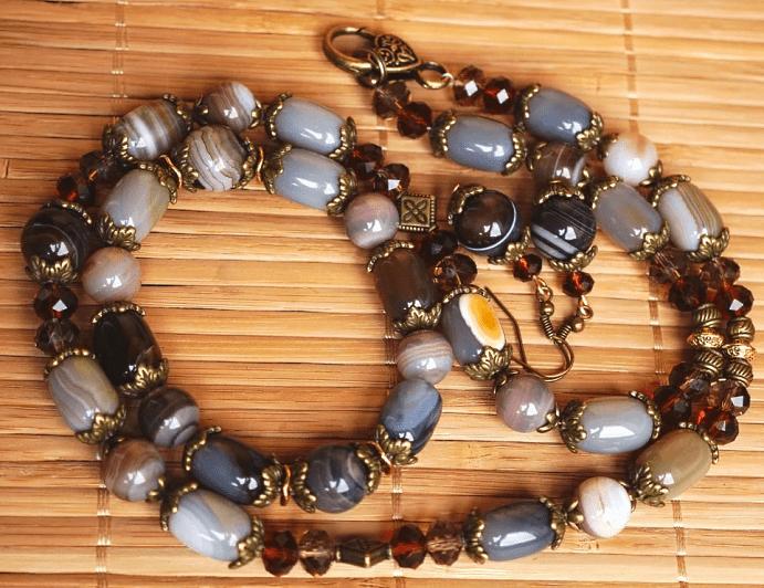Украшения для Девы из натуральных камней. Бусы и браслет из камней агата
