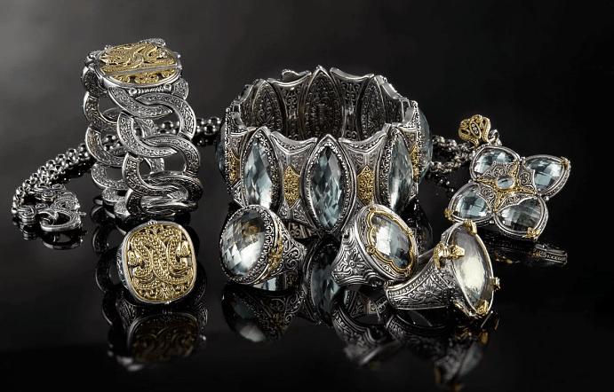Эксклюзивные ювелирные украшения с драгоценными камнями. Комплект изделий, браслеты, кольца, перстни