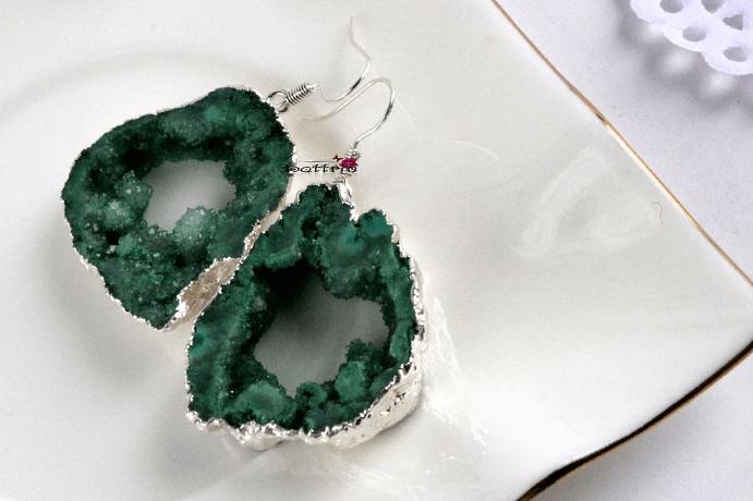 Украшения из друзы натурального камня. Сережки