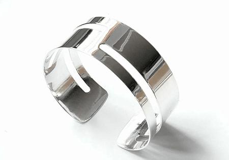 Украшение на руку: модные решения при создании и выборе браслетов. Женский браслет кафф из серебра