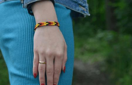 Украшение на руку: модные решения при создании и выборе браслетов. Женский браслет фенечка