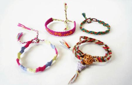 Украшение на руку: модные решения при создании и выборе браслетов. Фенечки