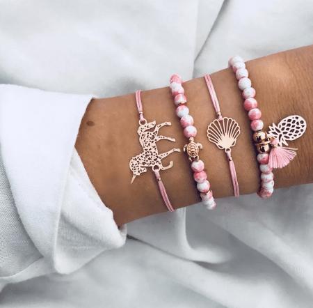 Украшение на руку: модные решения при создании и выборе браслетов. Коллекция розовых браслетов с подвесками, камнями, вставками