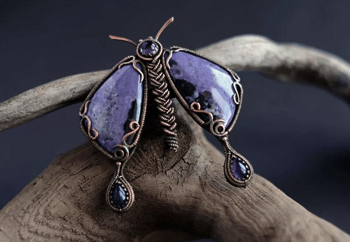 Ювелирные украшения с насекомыми. Бабочка